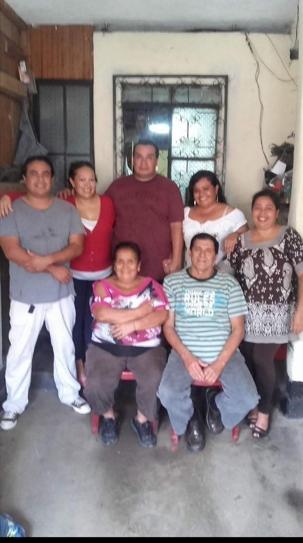 UNA FAMILIA UNIDA (A United Family)